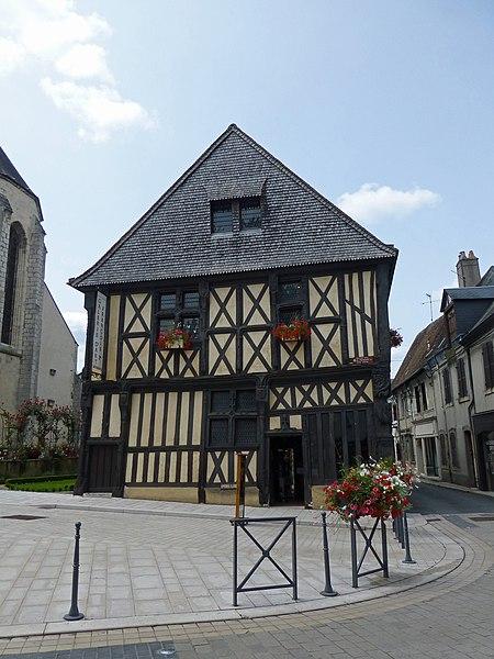 Photo du Monument Historique Maison, dite de François Ier situé à Aubigny-sur-Nère