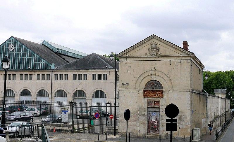 Photo du Monument Historique Halle au blé situé à Bourges