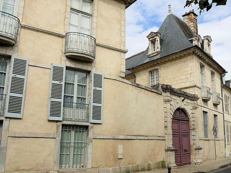 Photo du Monument Historique Hôtel de Bosredon, ou de Chouys situé à Bourges