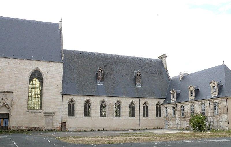 Photo du Monument Historique Ancien Hôtel-Dieu situé à Bourges