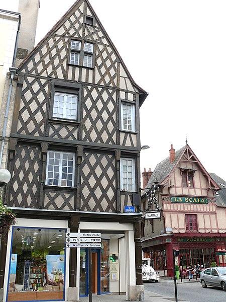 Photo du Monument Historique Immeuble situé à Bourges