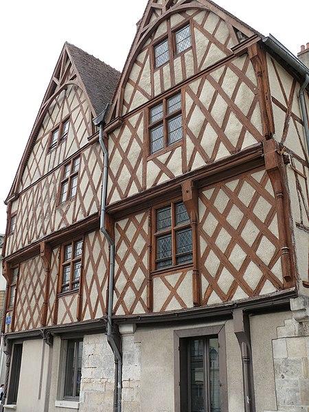 Photo du Monument Historique Maisons situé à Bourges