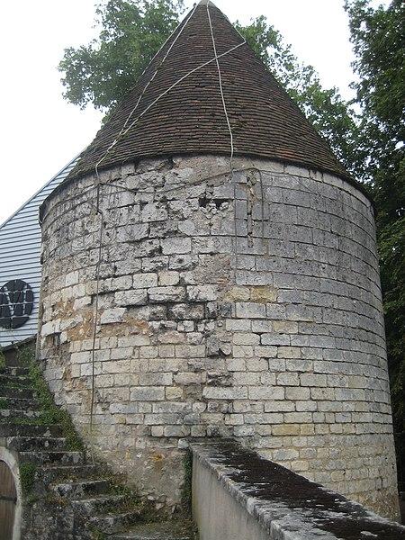 Photo du Monument Historique Ancienne tour à poudre situé à Bourges