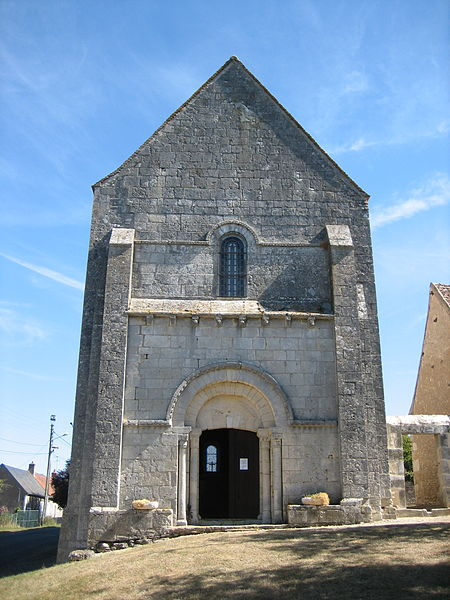Photo du Monument Historique Eglise Saint-Denis de Condé situé à Celle-Condé (La)