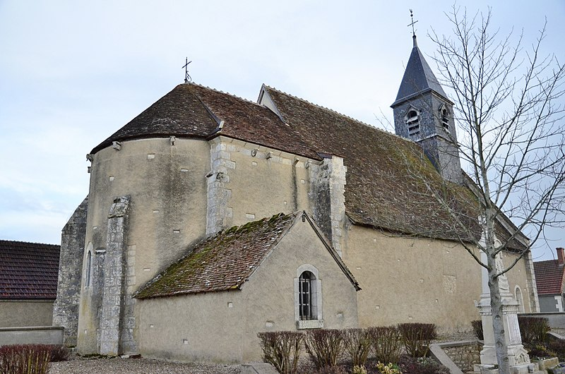 Photo du Monument Historique Eglise Saint-Pierre situé à Chambon