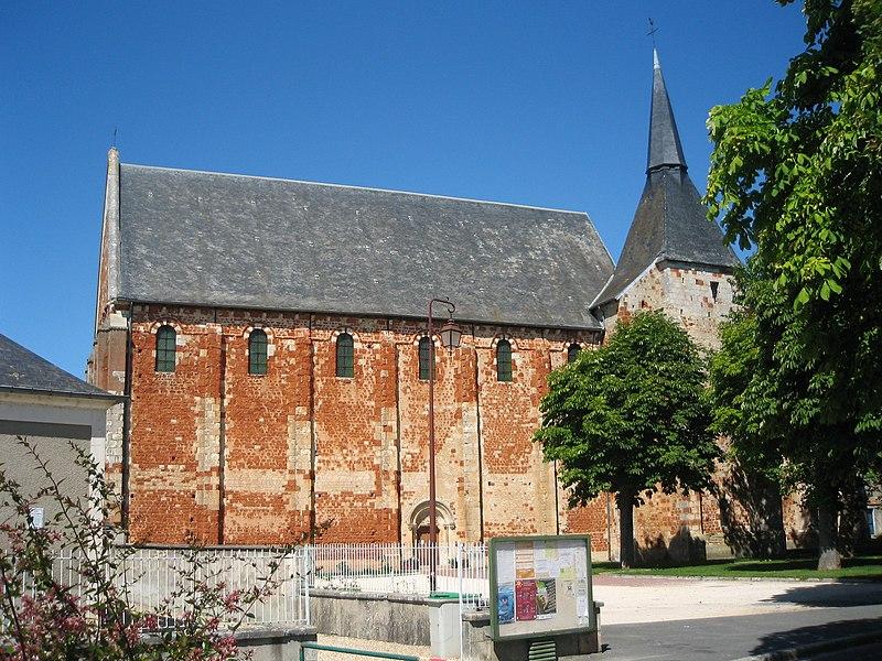 Photo du Monument Historique Eglise Saint-Michel (du prieuré Saint-Michel) situé à Chârost