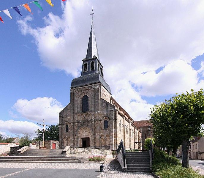 Photo du Monument Historique Eglise Saint-Genès (anciennement église prieurale Saint-Etienne) situé à Châteaumeillant