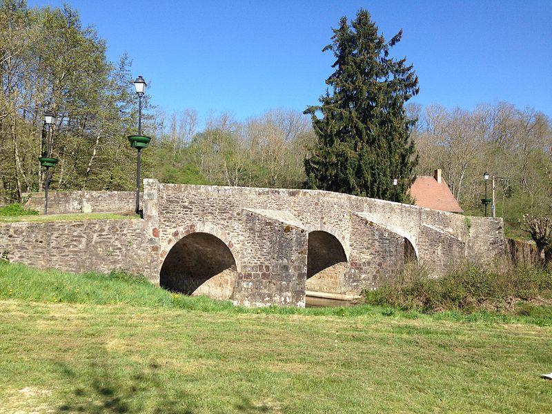 Photo du Monument Historique Pont romain situé à Culan