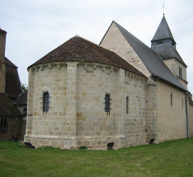 Photo du Monument Historique Eglise Saint-Pierre et Saint-Paul situé à Maisonnais