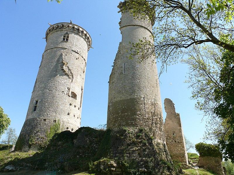 Photo du Monument Historique Château situé à Mehun-sur-Yèvre