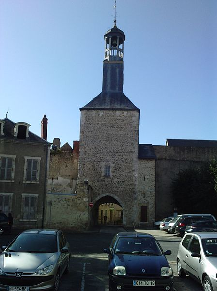 Photo du Monument Historique Beffroi situé à Vierzon