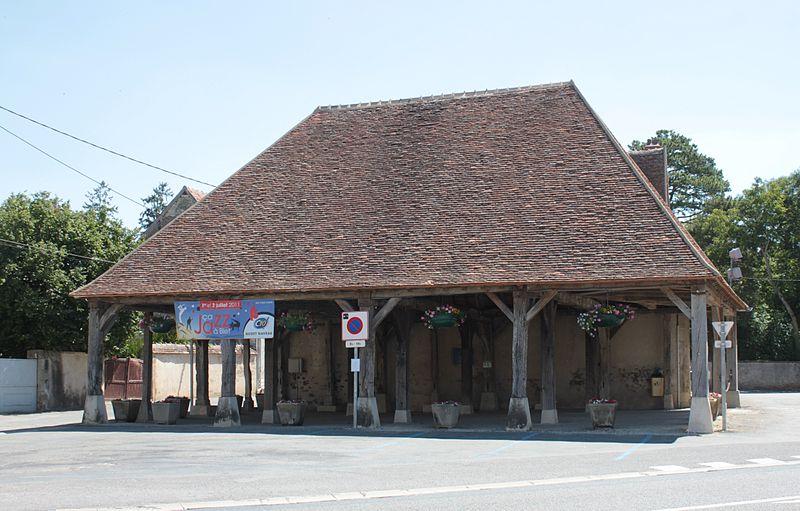 Photo du Monument Historique Halle situé à Blet