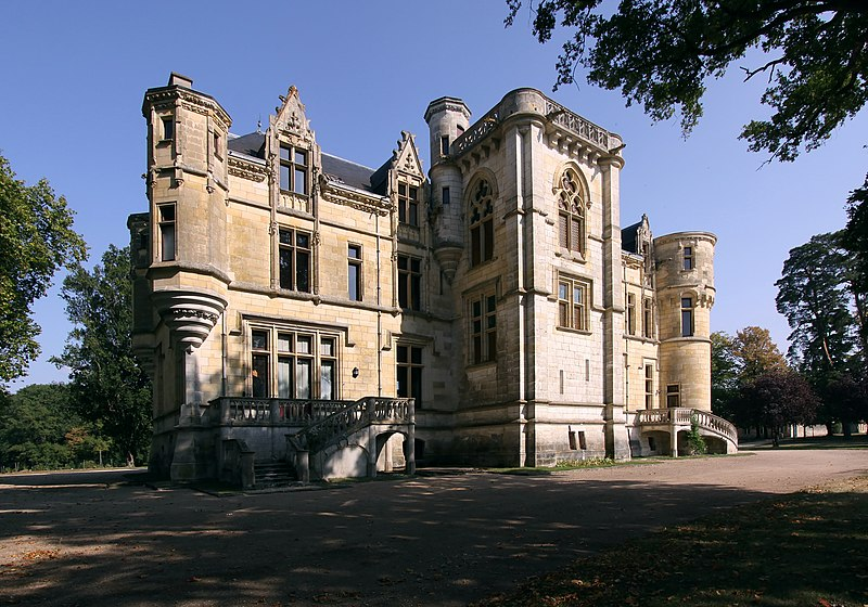 Photo du Monument Historique Château de la Brosse situé à Farges-Allichamps