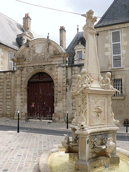 Photo du Monument Historique Hôtel de Bengy situé à Bourges