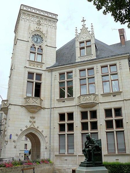 Photo du Monument Historique Recette principale et direction départementale de la Poste situé à Bourges