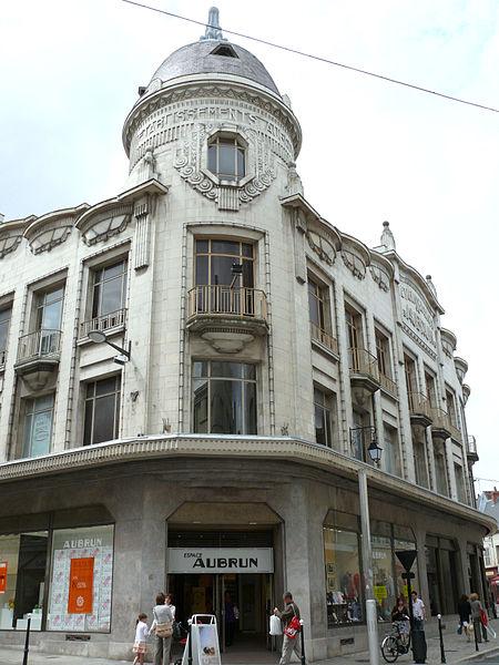 """Photo du Monument Historique Grand magasin des anciens """"Etablissements Aubrun"""" situé à Bourges"""