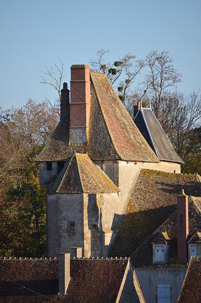 Photo du Monument Historique Château du Creuzet situé à Coust