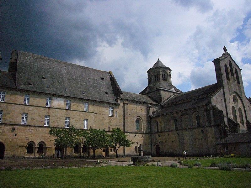 Photo du Monument Historique Ancienne abbaye Saint-Etienne situé à Aubazines