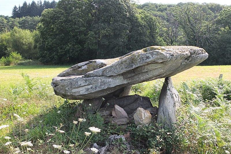Photo du Monument Historique Dolmen dit La Cabane de la Fée situé à Beynat