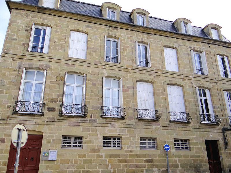 Photo du Monument Historique Hôtel d'Enval situé à Brive-la-Gaillarde