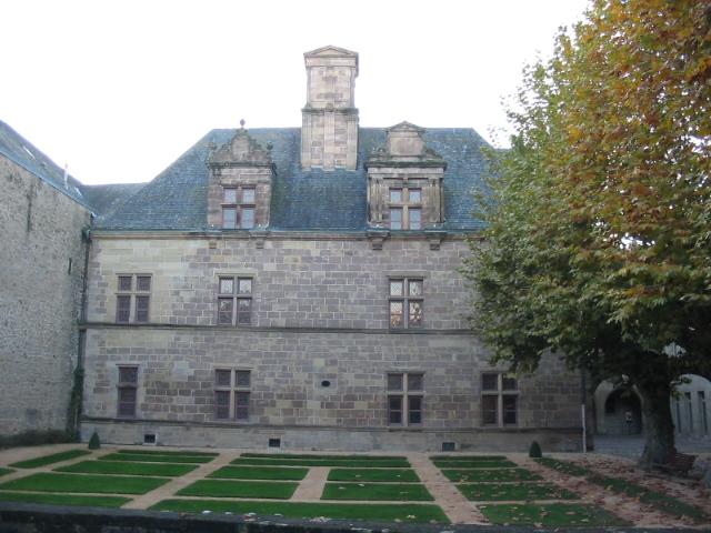 Photo du Monument Historique Ancien séminaire situé à Brive-la-Gaillarde