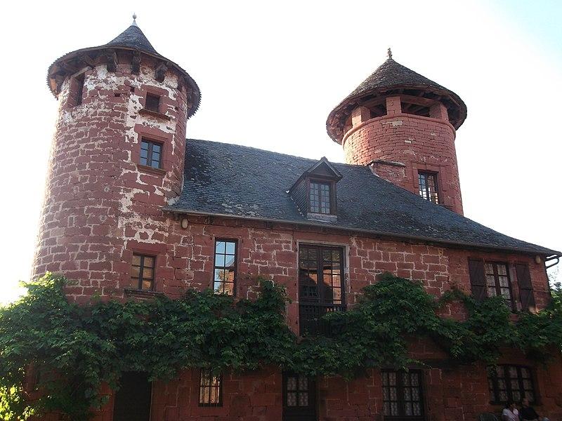 Photo du Monument Historique Ancien hôtel Beaurival situé à Collonges-la-Rouge