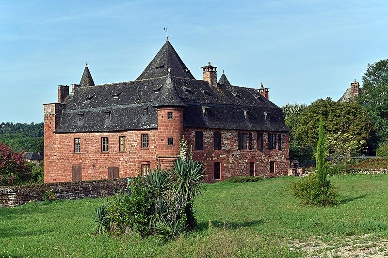 Photo du Monument Historique Manoir de Vassinhac situé à Collonges-la-Rouge