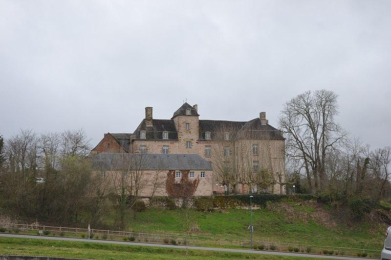 Photo du Monument Historique Château de Cosnac situé à Cosnac