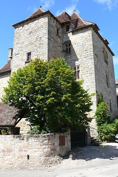 Photo du Monument Historique Château de la Johannie situé à Curemonte