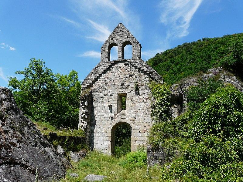 Photo du Monument Historique Restes de l'église Saint-Etienne-de-Braguse situé à Gimel-les-Cascades