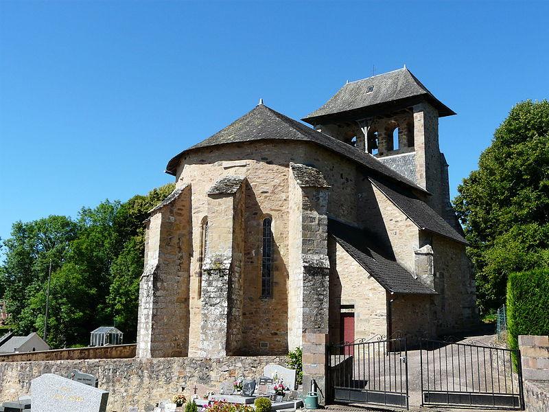 Photo du Monument Historique Eglise Saint-Pierre situé à Neuville