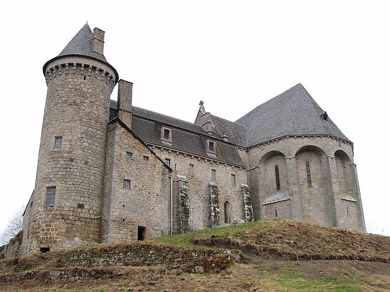 Photo du Monument Historique Ancien prieuré Saint-Michel des Anges situé à Saint-Angel