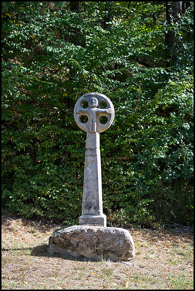 Photo du Monument Historique Croix de chemin situé à Saint-Geniez-ô-Merle