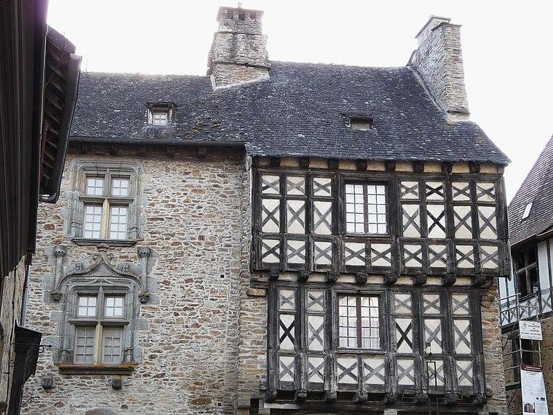 Photo du Monument Historique Maison dite de Henri IV situé à Ségur-le-Château