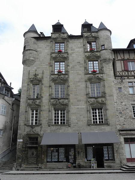 Photo du Monument Historique Maison de Loyac ou de l'Abbé situé à Tulle