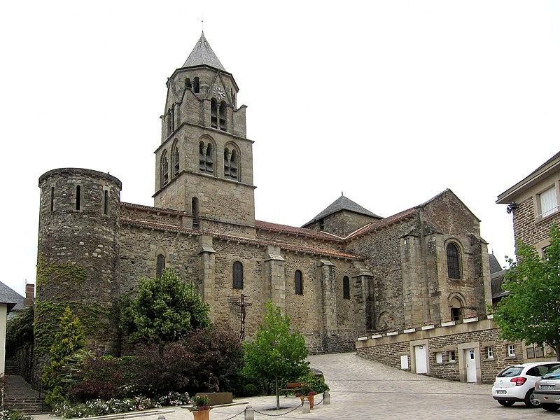 Photo du Monument Historique Eglise Saint-Pierre situé à Uzerche