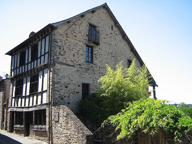 Photo du Monument Historique Maison à pans de bois situé à Uzerche