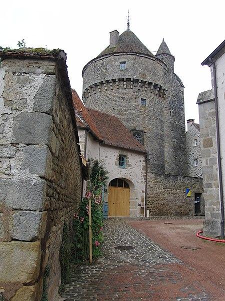 Photo du Monument Historique Tour de la Motte-Forte situé à Arnay-le-Duc