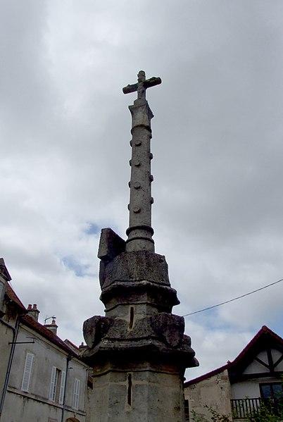 Photo du Monument Historique Croix situé à Baigneux-les-Juifs