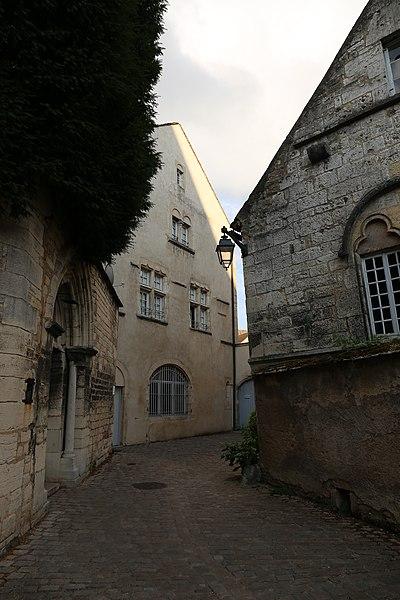 Photo du Monument Historique Bâtiment dit du Chapitre situé à Beaune
