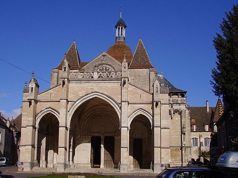 Photo du Monument Historique Eglise Notre-Dame et son presbytère situé à Beaune