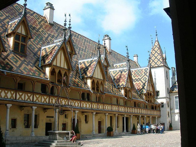 Photo du Monument Historique Hôtel-Dieu ou Hospices civils de Beaune situé à Beaune