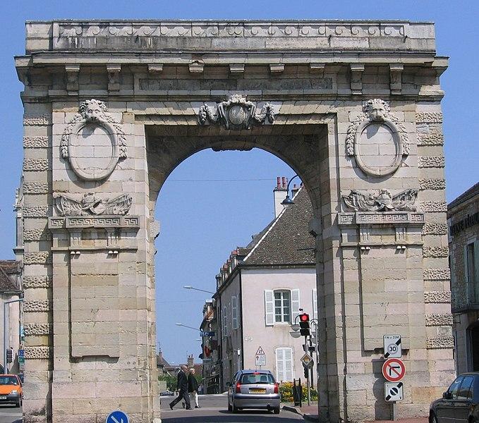 Photo du Monument Historique Porte Saint-Nicolas situé à Beaune