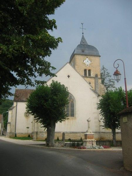 Photo du Monument Historique Eglise situé à Chambolle-Musigny