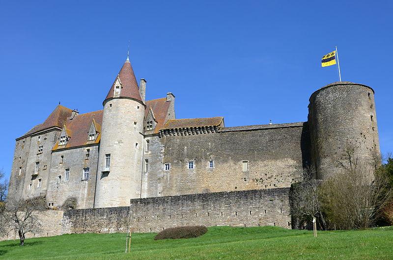 Photo du Monument Historique Château de Châteauneuf, actuellement musée situé à Châteauneuf