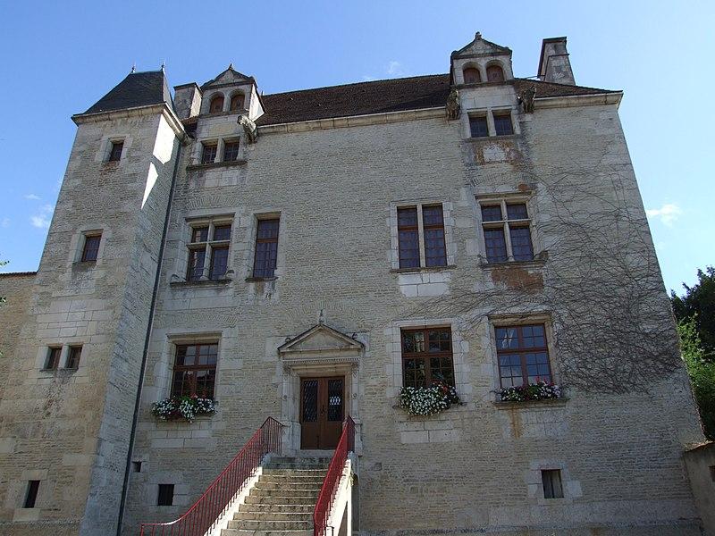 Photo du Monument Historique Bibliothèque municipale (ancien auditoire royal et chambre de ville) situé à Châtillon-sur-Seine