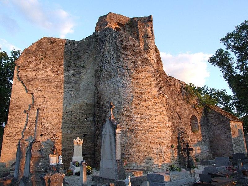Photo du Monument Historique Château des ducs de Bourgogne (ruines) situé à Châtillon-sur-Seine