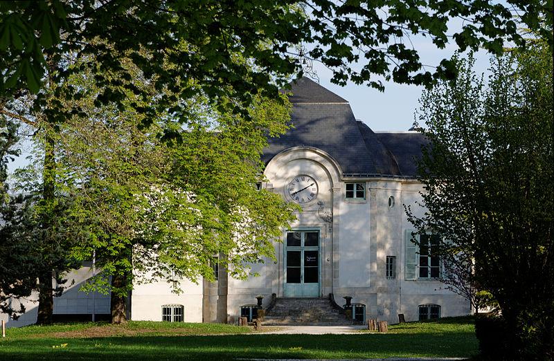Photo du Monument Historique Castel situé dans le lycée technique du Castel situé à Dijon