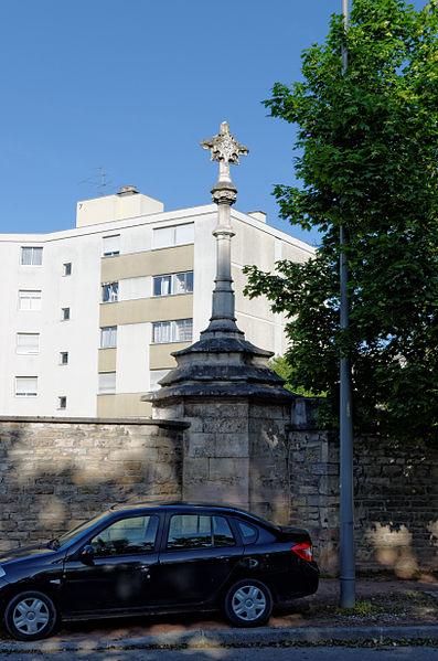 Photo du Monument Historique Croix dite Croix Mâchefer situé à Dijon