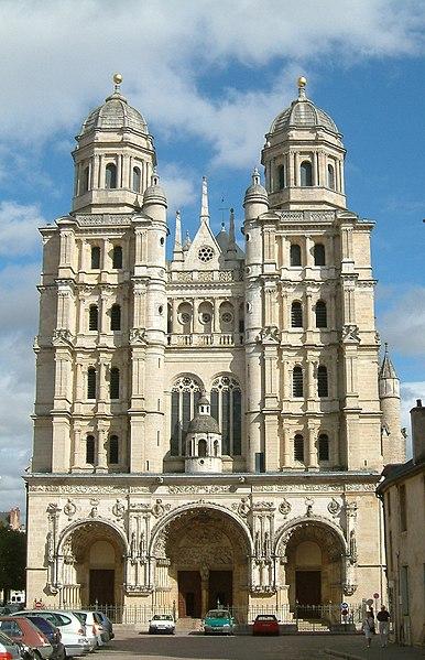 Photo du Monument Historique Eglise Saint-Michel situé à Dijon